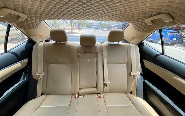 Cần bán gấp Toyota Corolla Altis năm sản xuất 2017, màu trắng còn mới7