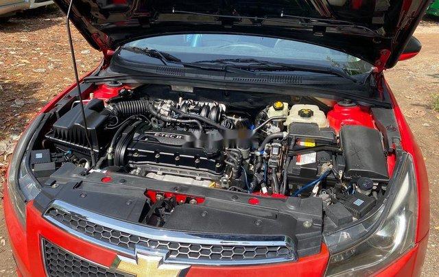 Cần bán Chevrolet Cruze sản xuất 2011, màu đỏ6