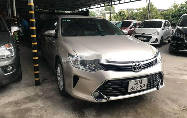 Bán Toyota Camry năm 2017, giá chỉ 818 triệu2