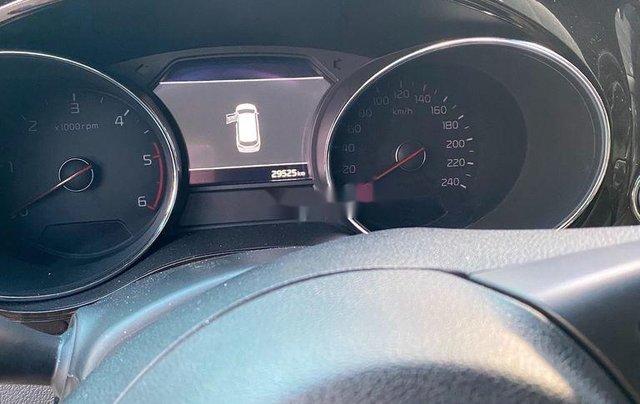 Cần bán Kia Sedona năm 2019, xe nhập còn mới2
