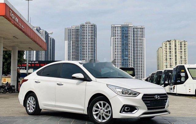 Cần bán lại xe Hyundai Accent đời 2019, màu trắng chính chủ2