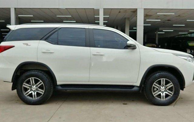 Bán Toyota Fortuner năm sản xuất 2020, màu trắng chính chủ2