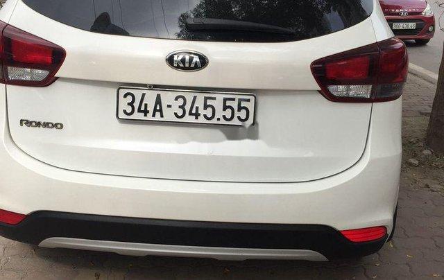 Cần bán xe Kia Rondo sản xuất 2018 còn mới, giá 486tr0