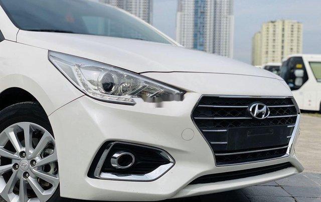 Cần bán lại xe Hyundai Accent đời 2019, màu trắng chính chủ1