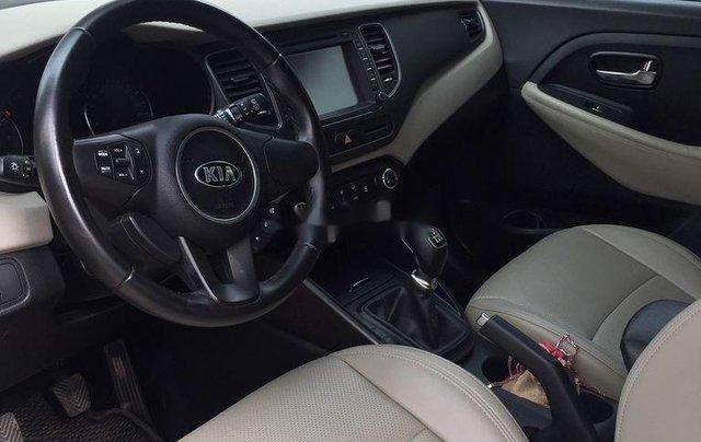Cần bán xe Kia Rondo sản xuất 2018 còn mới, giá 486tr4