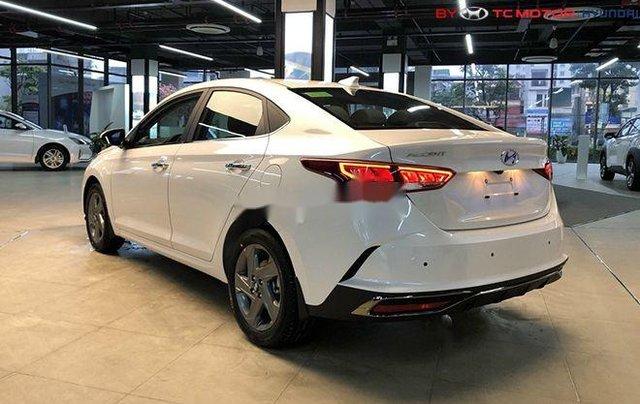 Cần bán Hyundai Accent sản xuất 2020, màu trắng, nhập khẩu nguyên chiếc1