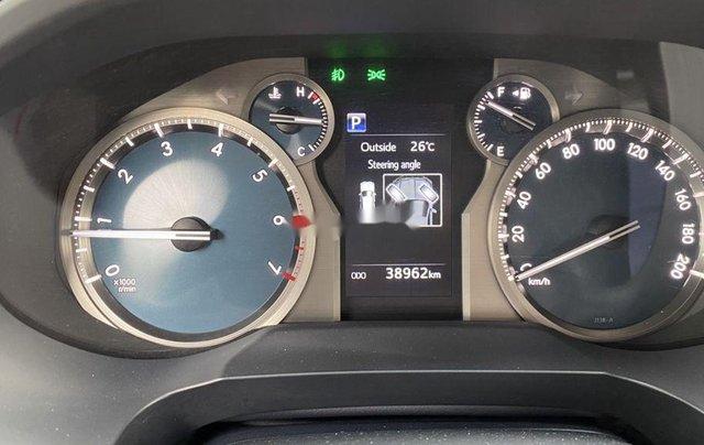 Bán xe Toyota Prado đời 2018, màu đen, xe nhập còn mới9