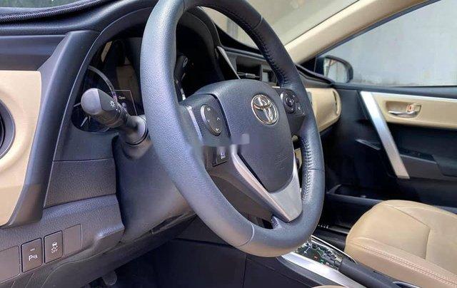 Cần bán gấp Toyota Corolla Altis năm sản xuất 2017, màu trắng còn mới9