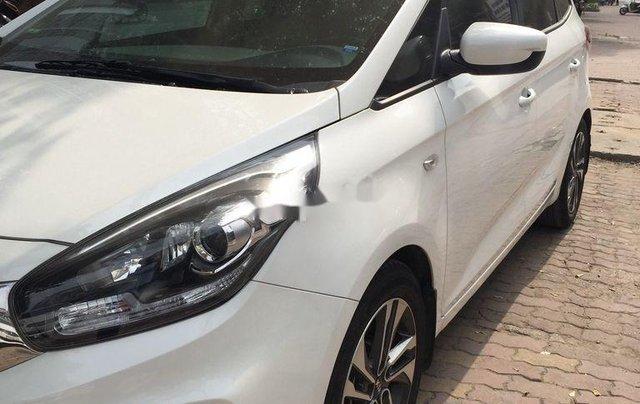 Cần bán xe Kia Rondo sản xuất 2018 còn mới, giá 486tr1