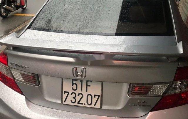 Xe Honda Civic đời 2014, màu ghi bạc, giá tốt4