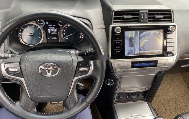 Bán xe Toyota Prado đời 2018, màu đen, xe nhập còn mới8