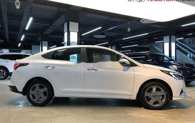 Cần bán Hyundai Accent sản xuất 2020, màu trắng, nhập khẩu nguyên chiếc2