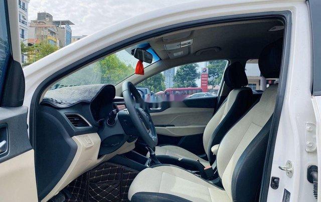 Cần bán lại xe Hyundai Accent đời 2019, màu trắng chính chủ9