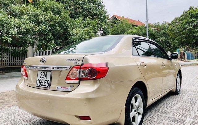 Bán xe Toyota Corolla 2011, màu vàng, nhập khẩu nguyên chiếc còn mới, giá 435tr3