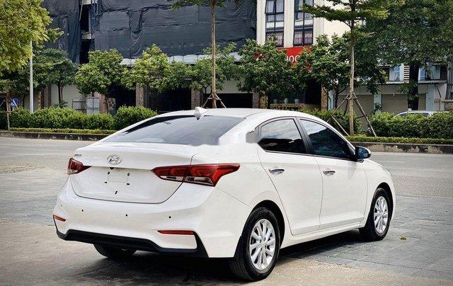 Cần bán lại xe Hyundai Accent đời 2019, màu trắng chính chủ5