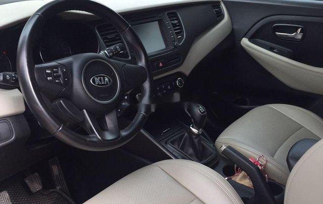 Cần bán xe Kia Rondo sản xuất 2018 còn mới, giá 486tr3