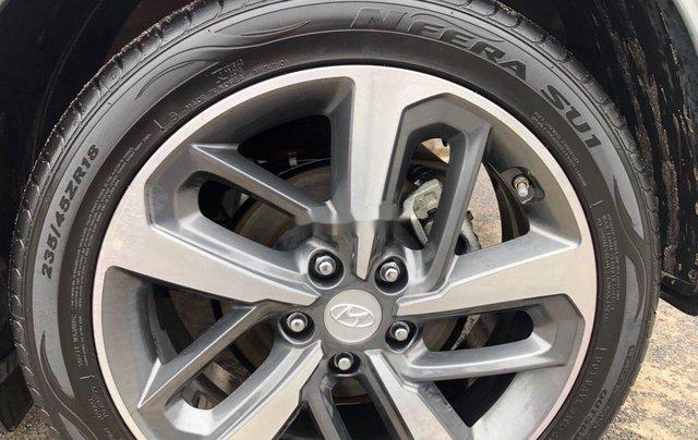 Bán Hyundai Kona đời 2019, màu đỏ còn mới, giá 705tr11