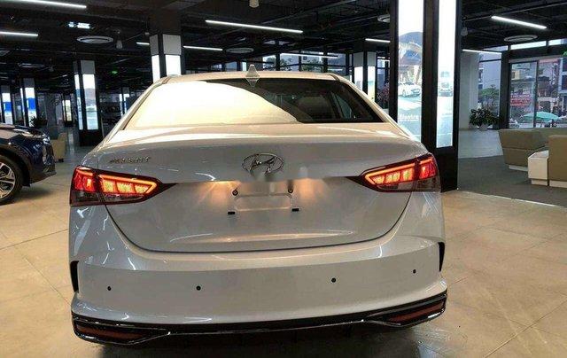 Bán xe Hyundai Accent năm sản xuất 2020, màu trắng, 600tr1