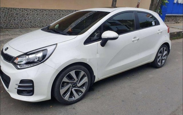 Bán ô tô Kia Rio sản xuất 2015, màu trắng, nhập khẩu nguyên chiếc2