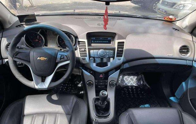 Cần bán Chevrolet Cruze 2017, màu xám chính chủ giá cạnh tranh1