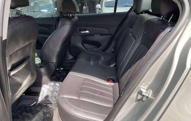 Cần bán Chevrolet Cruze 2017, màu xám chính chủ giá cạnh tranh3