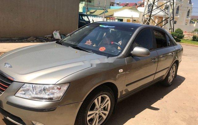 Cần bán lại xe Hyundai Sonata năm 2009 còn mới, giá 300tr0
