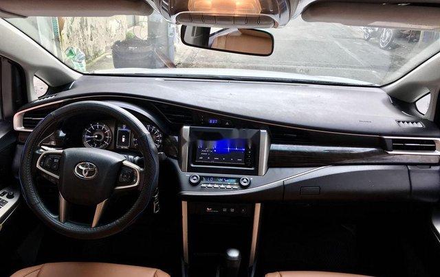 Cần bán xe Toyota Innova năm sản xuất 2017, màu trắng còn mới giá cạnh tranh6