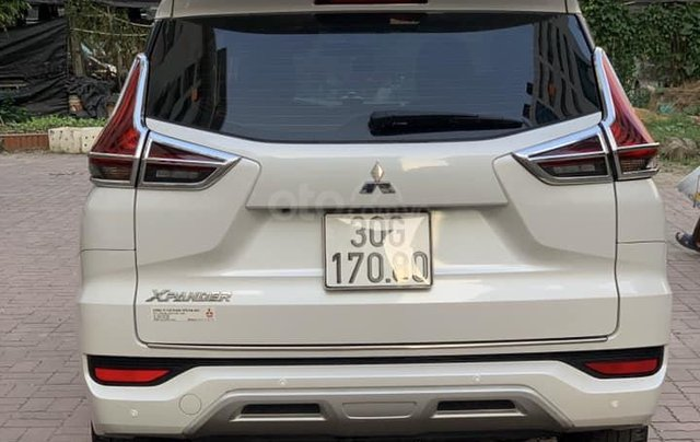 Cần bán Xpander 1.5AT SX 2019 nhập Indo, màu trắng2