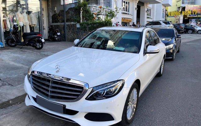 Xe chính chủ bán Mercedes C250 Exclusive model 2017 màu trắng, ít sử dụng và còn rất mới1