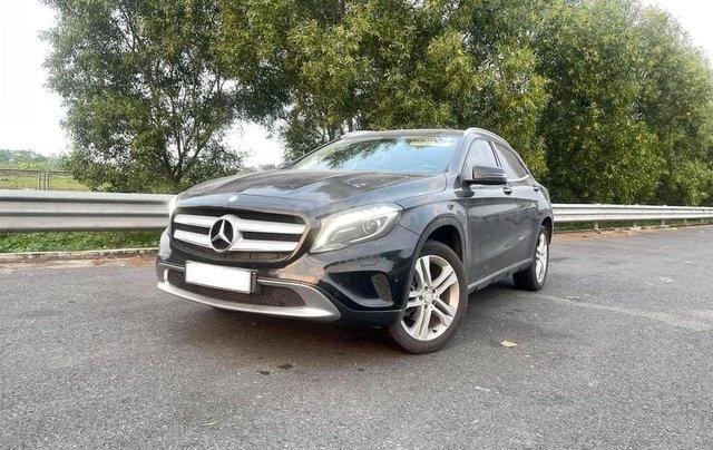 Cần bán xe Mercedes GLA 200 đời 2015, màu đen1
