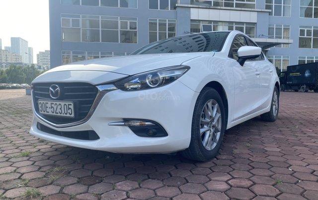 Bán Mazda 3 năm 2017 màu trắng, xe đẹp, chất, giá tốt0