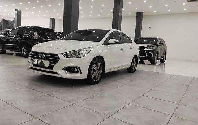 Bán Hyundai Accent năm 2018, màu trắng, xe chính chủ giá thấp0