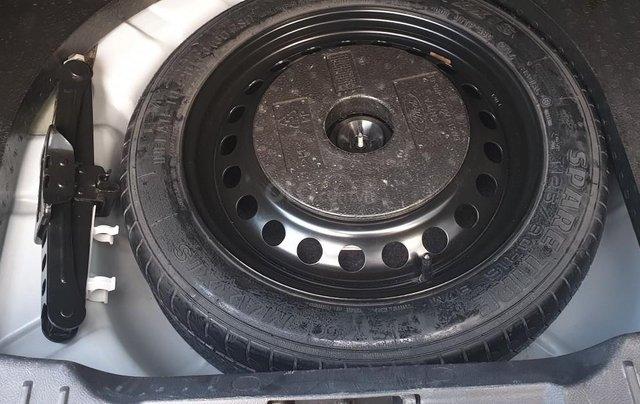 Bán Ford Focus 1.5 AT L Titanium màu trắng cực tiết kiệm nhiên liệu, giá tốt13