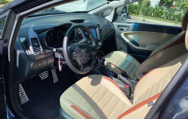 Cần bán xe Kia Cerato 2.0AT, xanh cavansite 20181