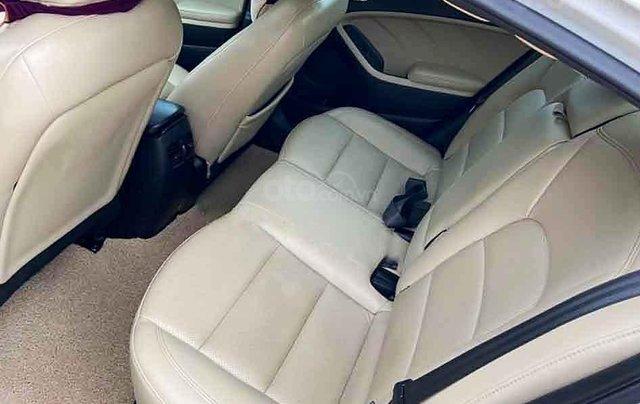 Cần bán gấp Kia Cerato năm sản xuất 2017, màu trắng3