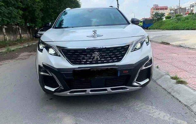 Cần bán gấp Peugeot 5008 năm 2019, màu trắng0
