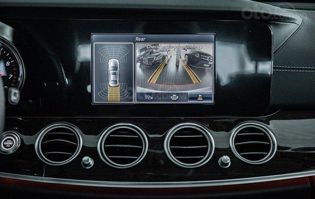 Nhanh tay rinh ngay Mercedes E250 giá cực sốc6