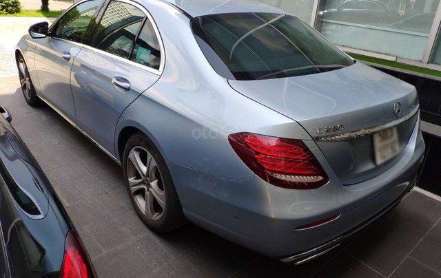 Nhanh tay rinh ngay Mercedes E250 giá cực sốc4