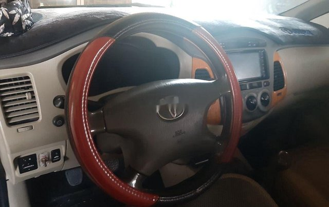 Bán Toyota Innova sản xuất 2010 còn mới4