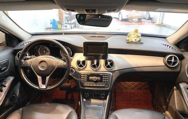 Cần bán xe Mercedes GLA-Class sản xuất 2017 còn mới11