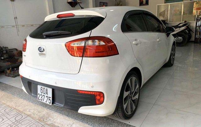 Cần bán gấp Kia Rio năm sản xuất 2015, xe nhập còn mới3