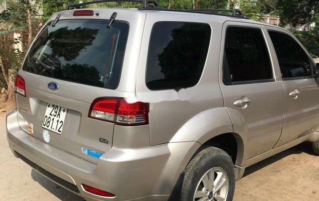 Cần bán gấp Ford Escape 2011, màu bạc, giá tốt3