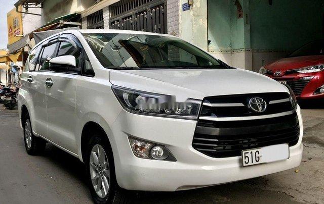 Cần bán xe Toyota Innova năm sản xuất 2017, màu trắng còn mới giá cạnh tranh1