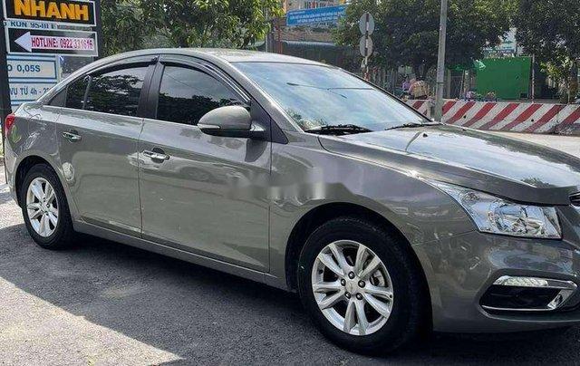 Cần bán Chevrolet Cruze 2017, màu xám chính chủ giá cạnh tranh0
