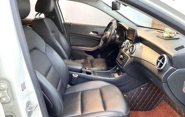 Cần bán xe Mercedes GLA-Class sản xuất 2017 còn mới9