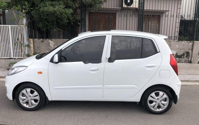 Bán xe Hyundai Grand i10 sản xuất 2012, màu trắng, nhập khẩu 4