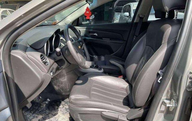 Cần bán Chevrolet Cruze 2017, màu xám chính chủ giá cạnh tranh2