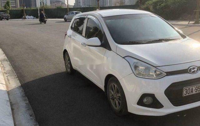 Cần bán gấp Hyundai Grand i10 năm 2015, màu trắng, nhập khẩu chính chủ3