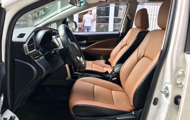 Cần bán xe Toyota Innova năm sản xuất 2017, màu trắng còn mới giá cạnh tranh4