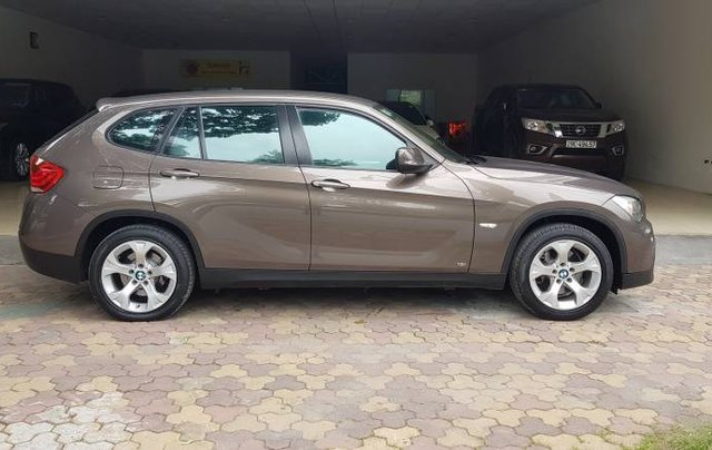 Cần bán lại xe BMW X1 đời 2011, màu xám, nhập khẩu còn mới, 515tr1